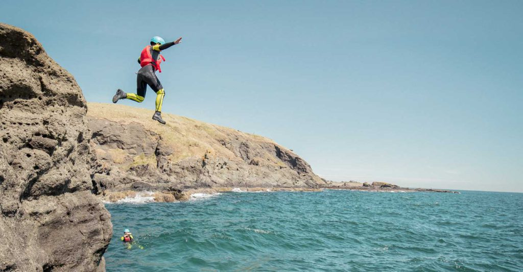 What is better canyoning or coasteering?